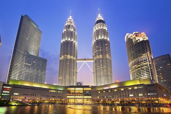 Kết quả hình ảnh cho tòa tháp đôi malaysia
