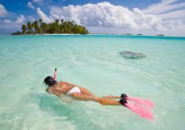Du khách vui chơi tại Côn Đảo