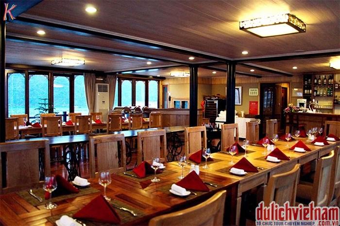 Nhà hàng trên du thuyền Mariner of The Sea