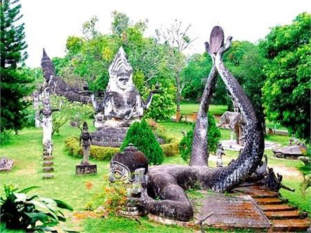 Cong vien tuong Phat_lao