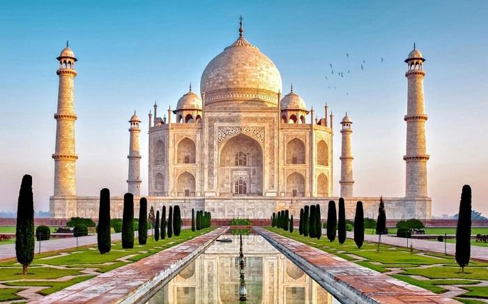 Biểu tượng tình yêu vĩnh cửu Taj Mahal