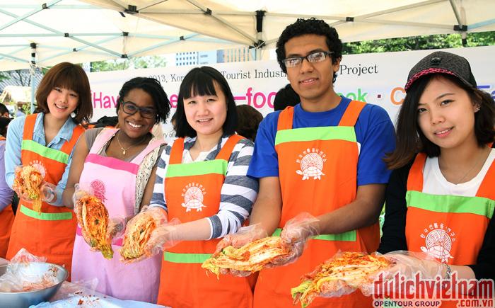 Tham gia lớp học làm Kimchi