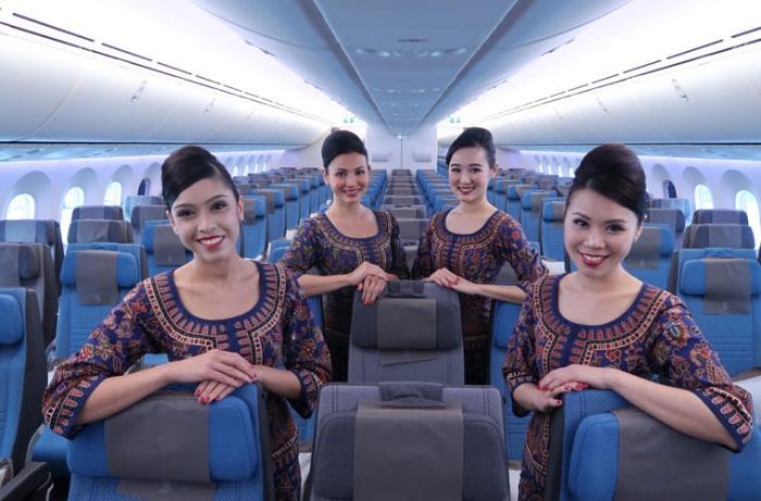 Nhân viên hãng hàng không Singapore Airlines thân thiện và gần gũi