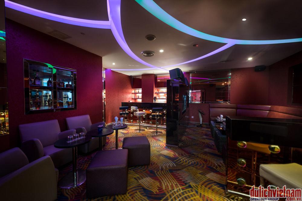 Quầy bar nơi mang tới cho bạn cảm giác dễ chịu với nhiều loại đồ uống hấp dẫn