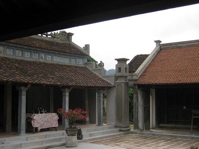 đền thờ Công chúa Phất Kim