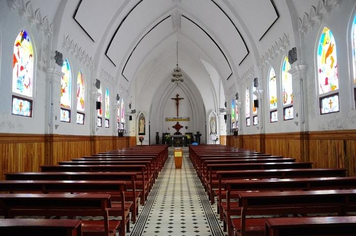 không-gian-nhà-thờ