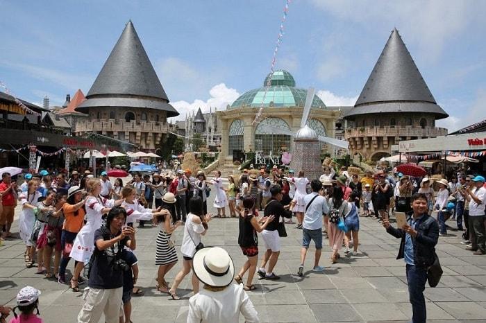 Chuyến hành trình tour du lịch Đà Nẵng Hội An 4 ngày đừng quên check-in Bà Nà Hills