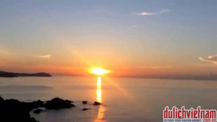 Ngắm bình minh trên đảo Cô Tô