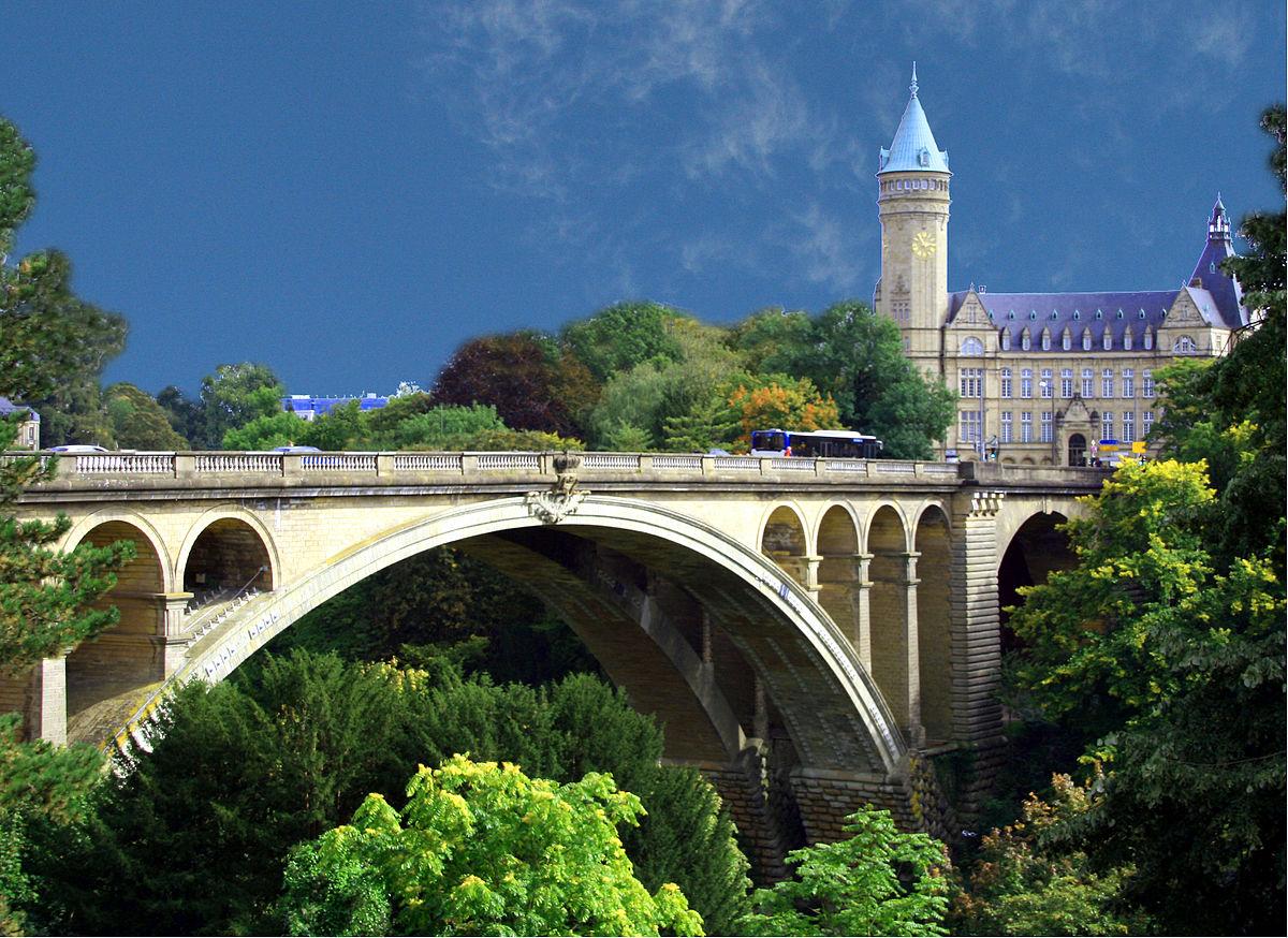 Cầu Pont Adolphe