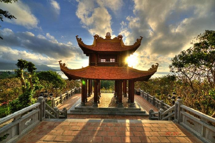 Viếng thăm chùa Núi Một ở tour Côn Đảo 3 ngày từ Hà Nội