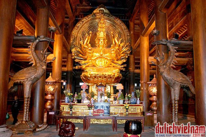 Tượng phật trong chùa Bái Đinh