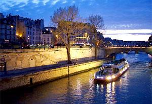 Du thuyền trên sông Sein