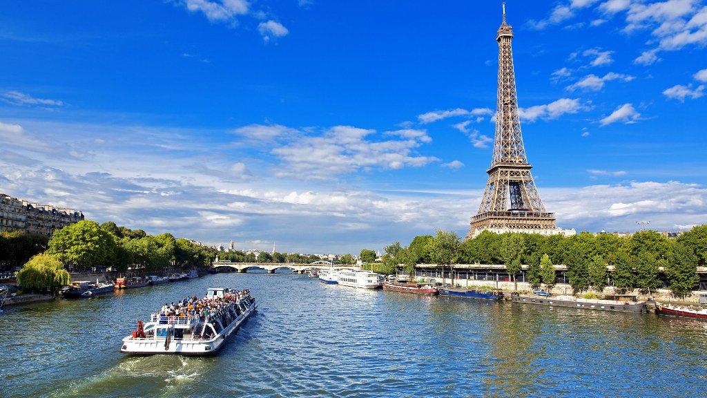 Du ngoại trên sông Seine