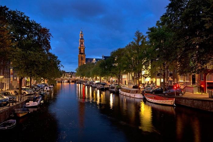 Dạo thuyền trên sông AMSTERDAM