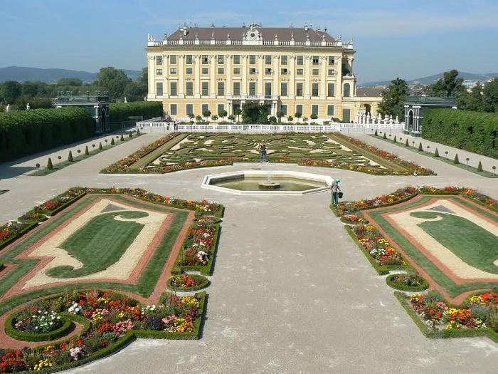 cung-điện-schoenbrunn
