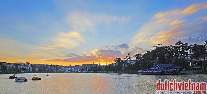 Vẻ đẹp Hồ Xuân Hương