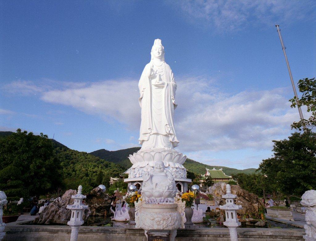 Bức tượng Phật Quan Thế Âm cao 67m, cao nhất tại Việt Nam tính tới nay