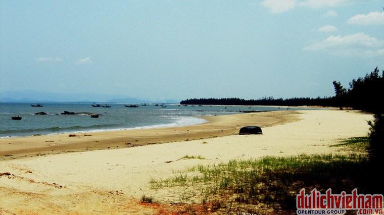 Đảo Yến - Vũng Chùa nơi vị Đại Tướng Võ Nguyên Giáp an giấc ngàn thu