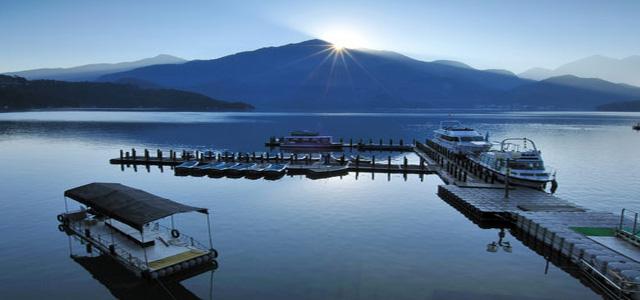 Hồ Nhật Nguyệt mang vẻ đẹp sông nước hữu tình