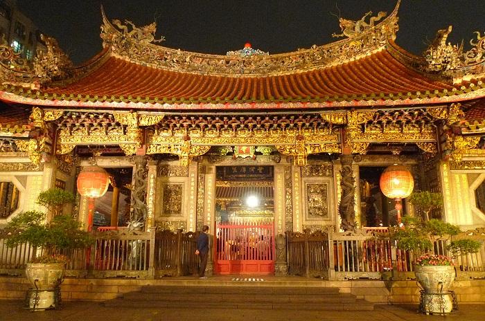 Long Sơn Tự - ngôi chùa cổ kính nhất Đài Loan