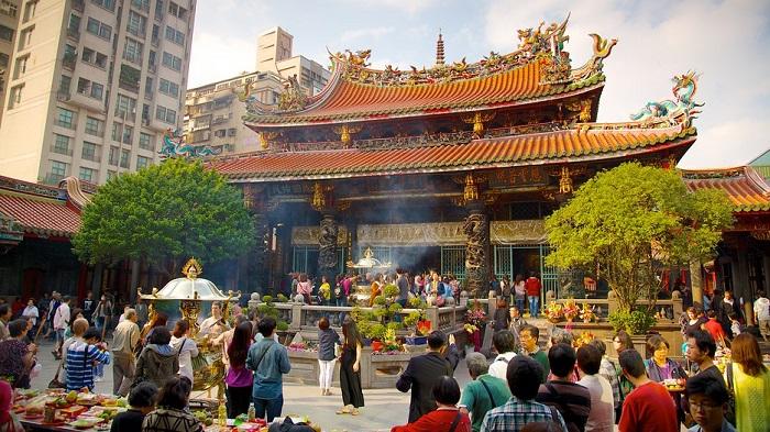 Kết quả hình ảnh cho chùa Long Sơn đài loan