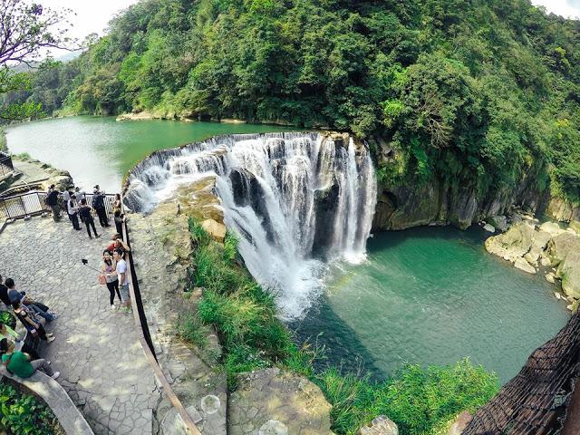 Thác Nước Thập Phần Đài Loan
