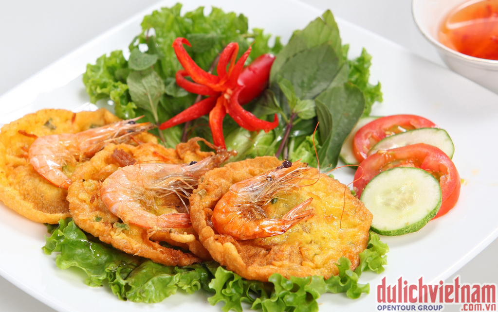 Đặc sản Hà Nội - Bánh tôm Hồ Tây
