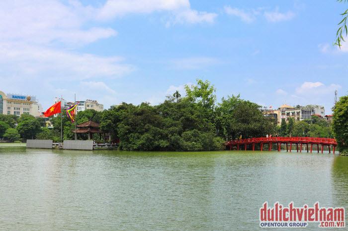 Hồ Hoàn Kiếm ở Hà Nội