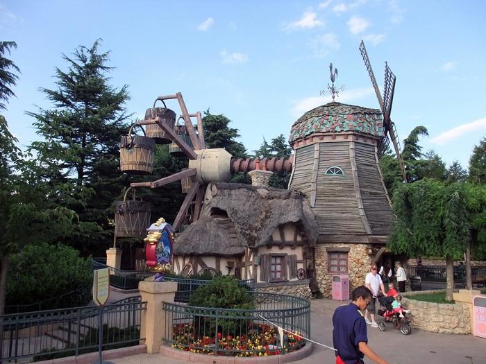 Fantasy Land - Thế giới kỳ diệu với nàng Công chúa ngủ trong rừng