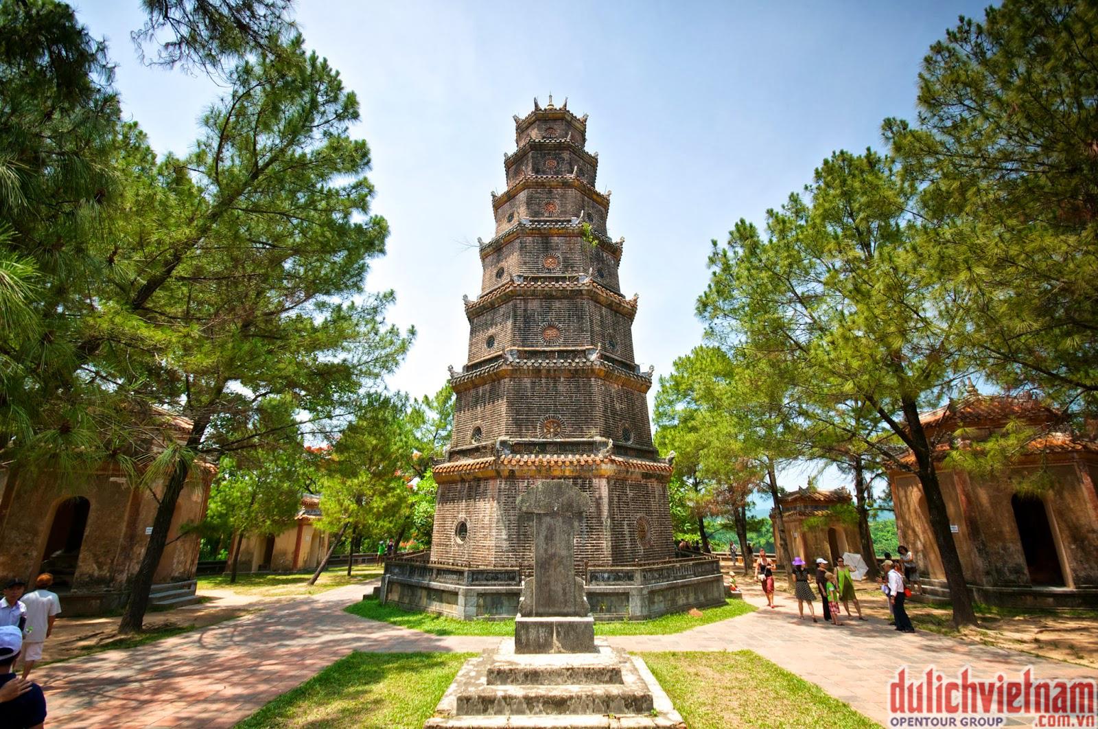 Chùa Thiên Mụ - một trong các điểm du lịch hấp dẫn tại Huế