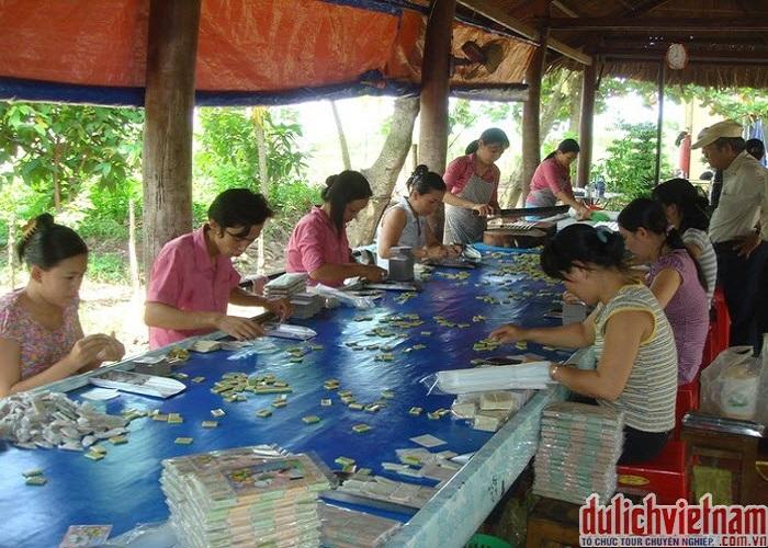 Xưởng sản xuất kẹo dừa