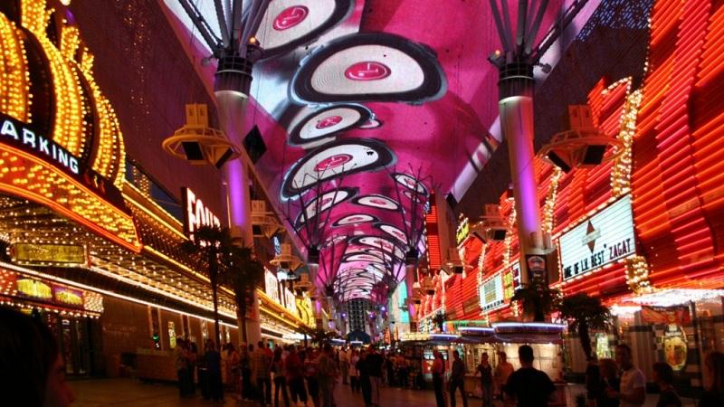 Trải nghiệm cùng Fremont Street với các hoạt động vui chơi giải trí lôi cuốn bậc nhất Las Vegas