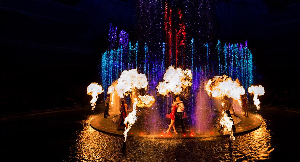 Thưởng thức show lửa nước La Reve đặc sắc