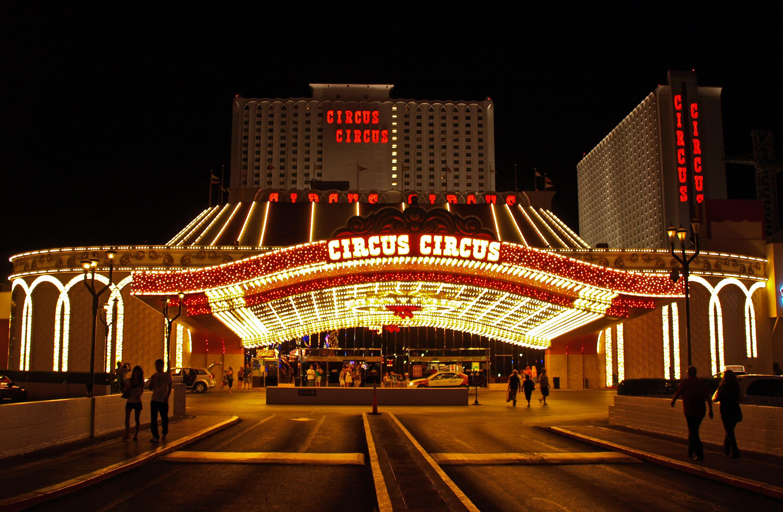 Khách sạn 3 sao Circus Circus