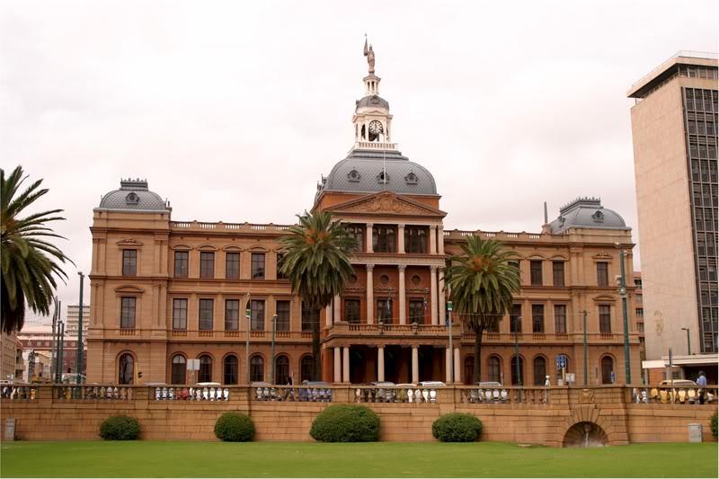 The Old Raadsaal - tòa nhà hội đồng thành phố cũ
