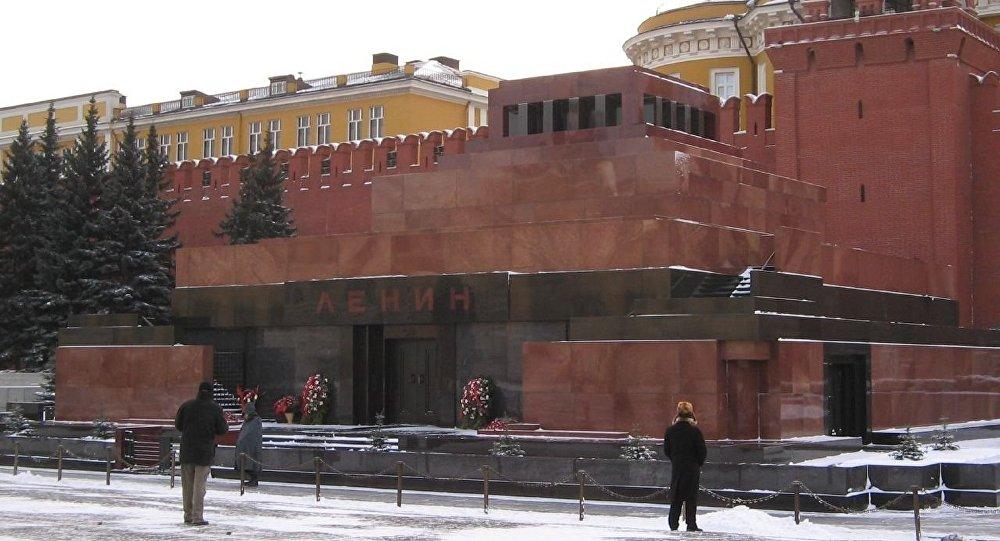 Lăng LêNin Nước Nga