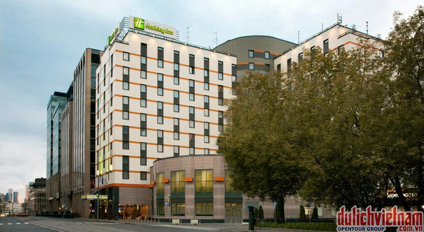 Khách sạn Holiday Inn Lesnaya 4 sao