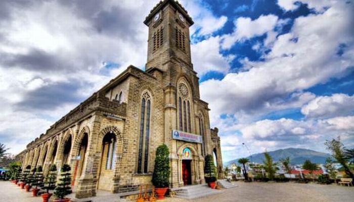 nhà-thờ-chánh-tòa