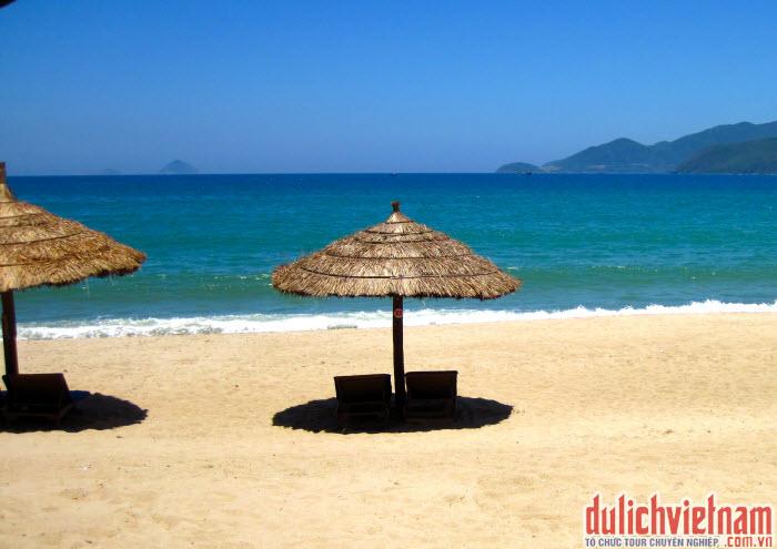Bãi biển đẹp Nha Trang