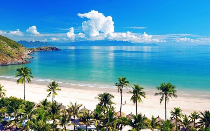 Vẻ đẹp mê hồn của bãi biển Nha Trang