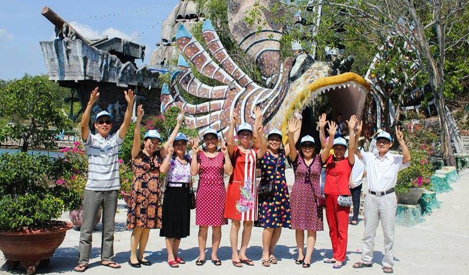 Các du khách cảm thấy rất vui và hài lòng khi tham gia tour Nha Trang 3 ngày