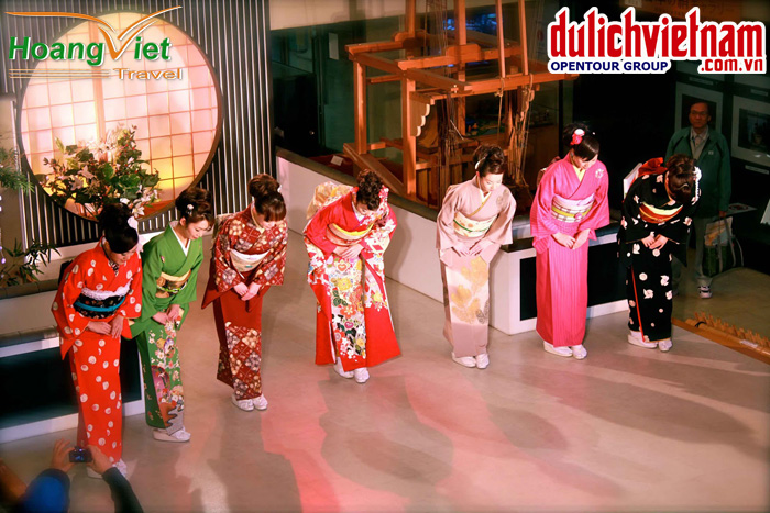 Show trình diễn Kimono