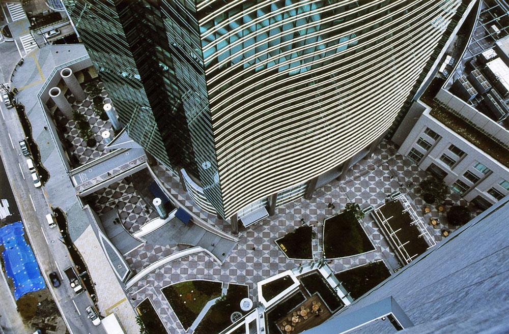 Ngắm nhìn khu phố giàu có Shiodome tại Tokyo