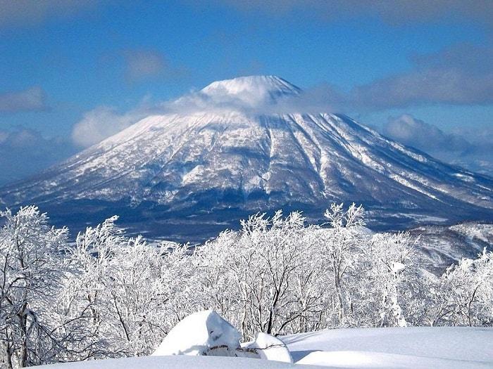 Núi Phú Sỹ phủ bởi tuyết trắng