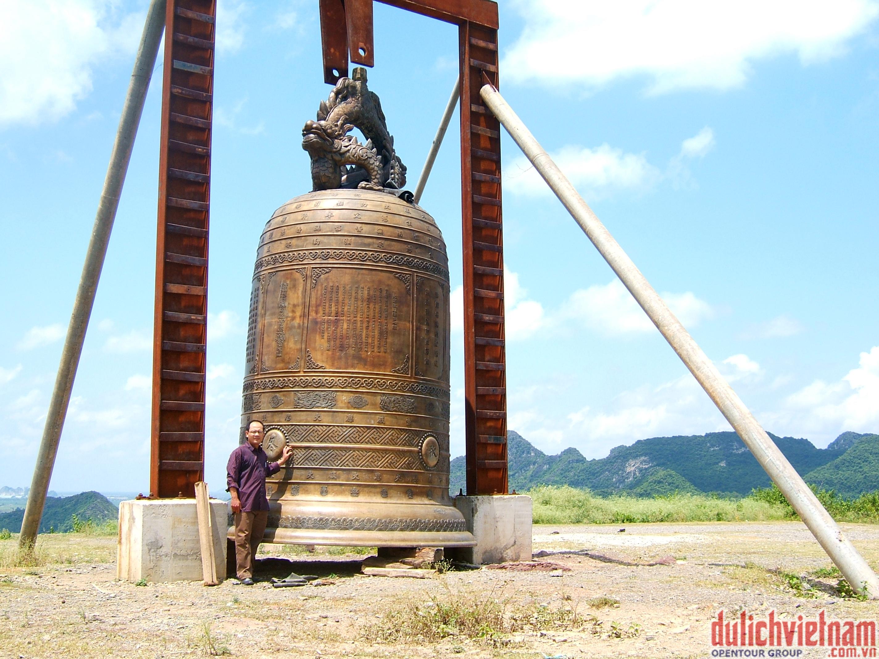 Chiếc chuông đồng khổng lồ nặng 36 tấn