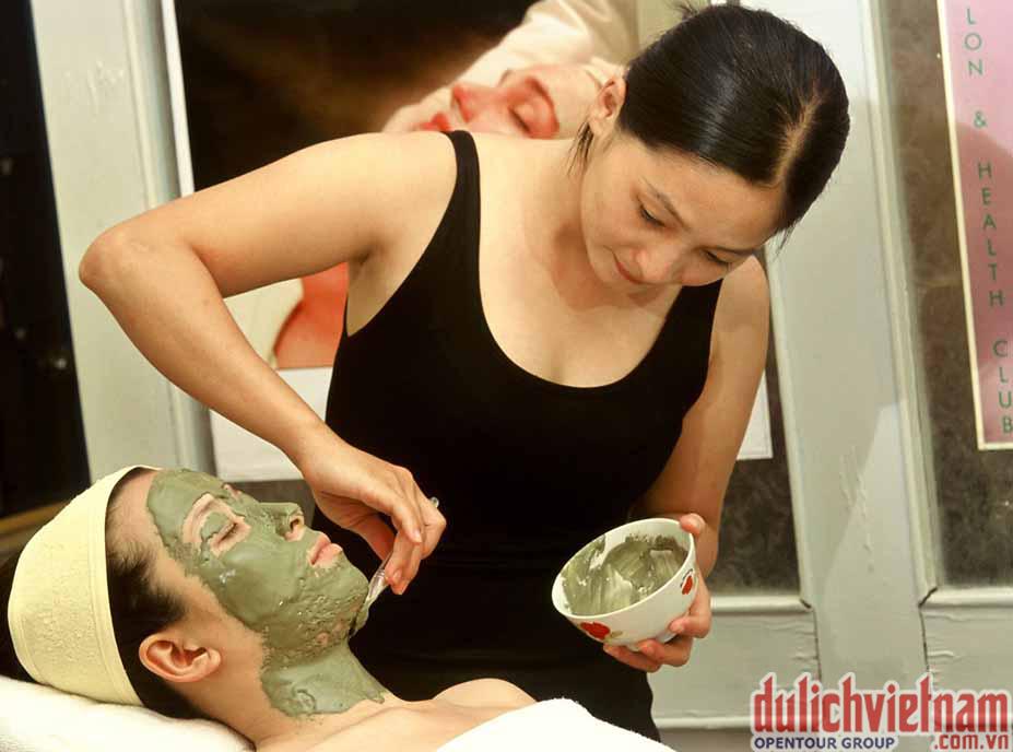 Khu vực Spa với rất nhiều phương pháp trị liệu mới nhất giúp bạn lấy lại vẻ đẹp của mình