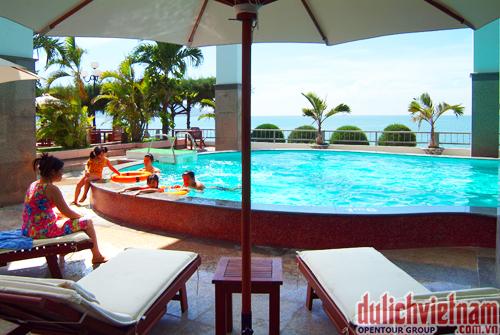 Bể bơi của khách sạn Hải Âu Quy Nhơn