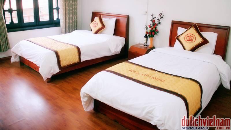 Phòng nghỉ của khách sạn Hoàng Gia được trang bị đầy đủ tiện nghi