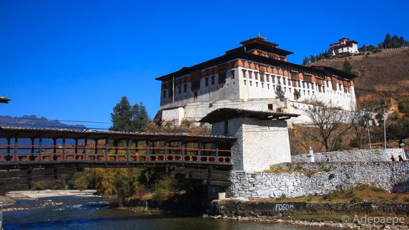 Pháo đài Rinpung Dzong - trung tâm hành chính quận Paro