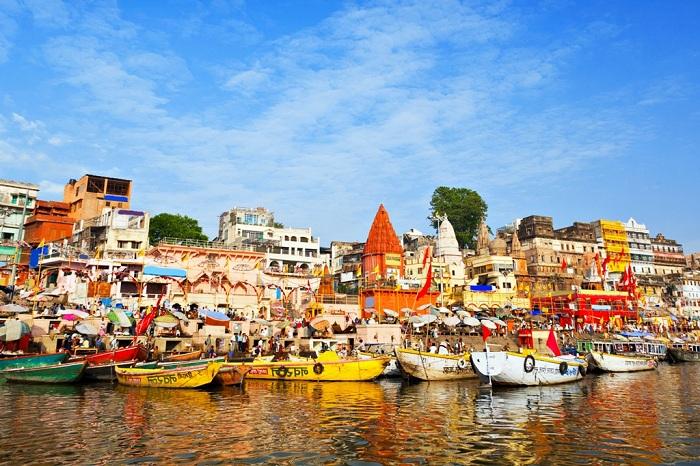 Sông Hằng (Ganges river) - con sông linh thiêng của nhiều tôn giáo ở Ấn độ.